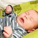 【医師監修】赤ちゃんがくしゃみをしやすい理由と注意点