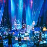 indigo la End、エモーショナルな演奏と映像演出で魅せた野外ライブ公式レポート