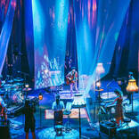 indigo la End、結成10周年のメモリアル公演は演奏と映像演出で魅せたライブ配信の理想形