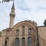 キリスト教とイスラム教の融合!イスタンブール旧市街に残るレンガ造りのモスク「カレンデルハネ・ジャーミィ」