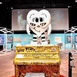モノトーンでポップな作品を描くイラストレーター・Chocomoo(チョコムー)過去最大規模の個展『Chocomoo EXHIBITION -OUR SECRET PARTY- Supported by WITH HARAJUKU』開幕レポート