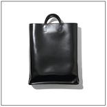 【トレンド小物】「角のあるバッグ」18選|服はゆるく小物はシャープに