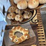 寄生獣か!大阪万博ロゴ「いのちの輝き」をパンやアクセサリーにした作品が続々と