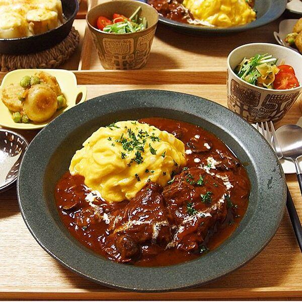 秋の肉料理!牛すね肉のオムビーフシチュー