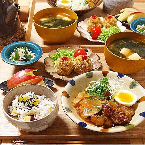 秋に人気の肉料理!豚軟骨と根菜照り煮