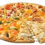 チーズ好き必見! 極上チーズたっぷりのドミノピザ「ワールド10チーズ・クワトロ」が美味しそう♪