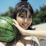 新世代のグラビアクイーン・沢口愛華(17)が雑誌「FLASH」のグラビアに!もえのあずき、塩地美澄も登場!