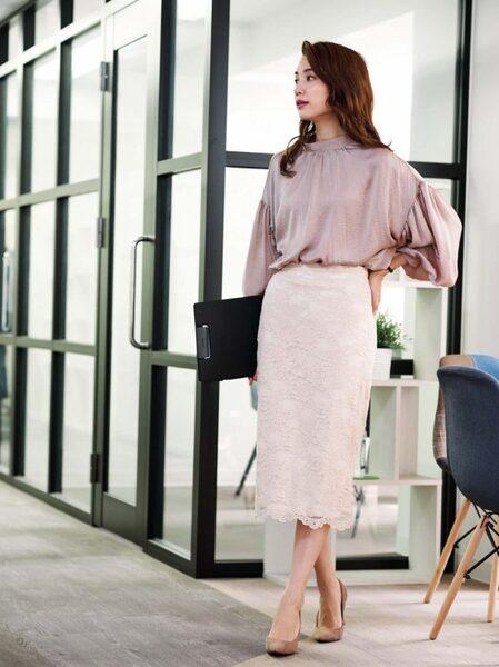 営業の女性に合う服装《スカート》7