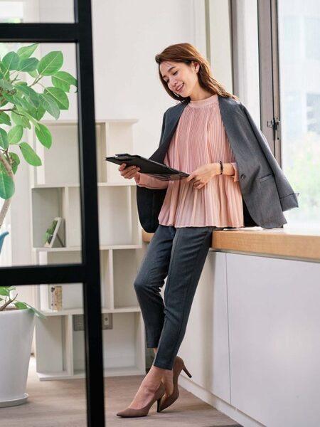 営業の女性に合う服装《パンツ》2