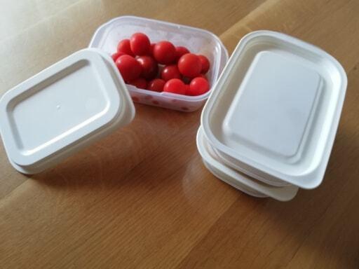 プチトマトを入れたイオンの「ホームコーディ」