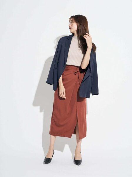 テーラード ジャケット×ラップ風スカート