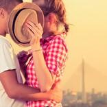 男子が思わず「キュン!」 彼女のかわいいキス中の仕草3選