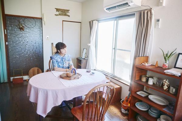 美容師の高山さんが住む築44年のレトロアパート