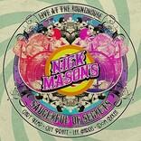 ニック・メイスン率いる初期ピンク・フロイド再現バンド、「吹けよ風、呼べよ嵐」ライブ映像公開