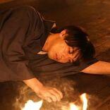 椿(横浜流星)が炎の中に、遠のく意識で思うこととは…?『私たちはどうかしている』