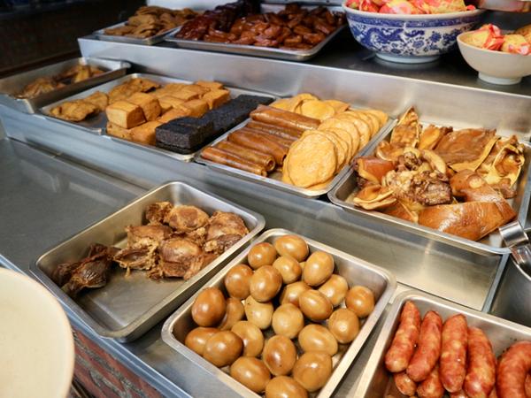 台湾風煮物・滷味(ルーウェイ)の数々