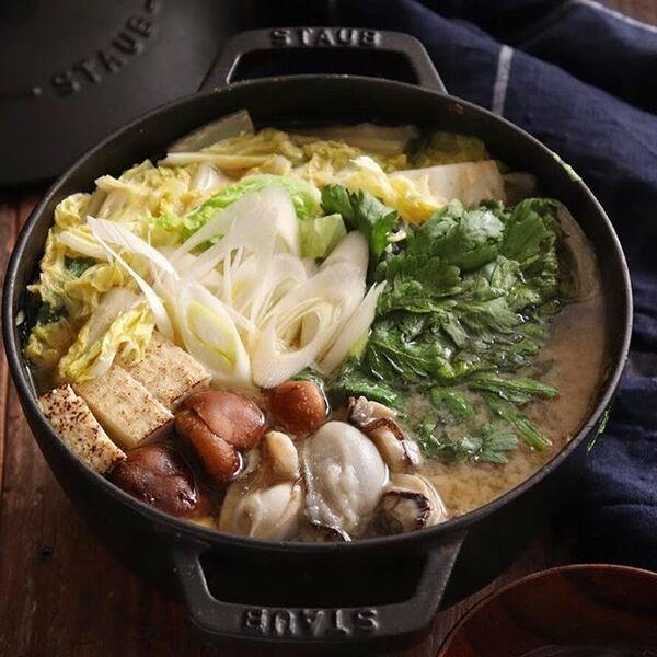 和食のおもてなしに。牡蠣の味噌鍋