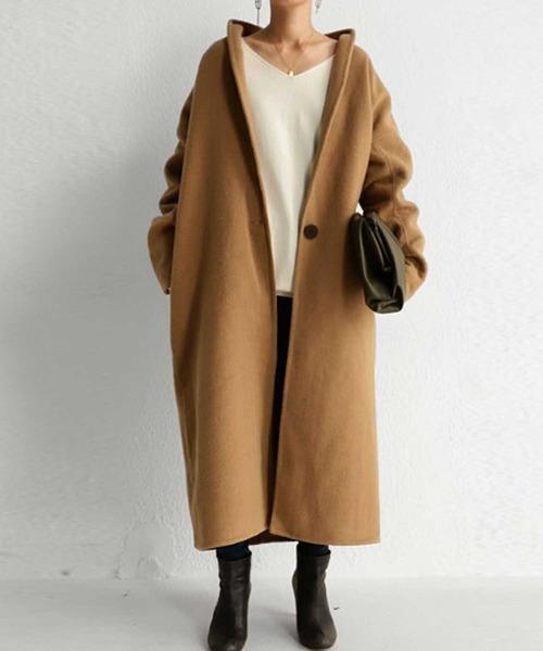 シングルロングコートの服装