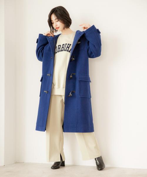 ビッグダッフルコートの服装