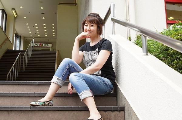 猫背椿 撮影:宮川舞子