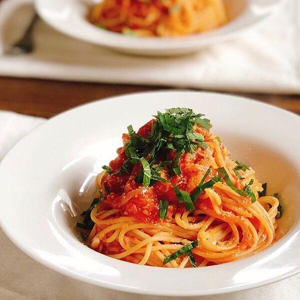 華やかに。ツナのトマトソーススパゲティ