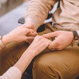 健常者の美女と重度身体障害者の男性が結婚 「金目当て」批判に負けず注目の夫婦に