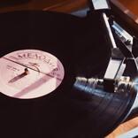 ヨルシカ「盗作」の歌詞から読み解く。男が音楽を盗作した理由とは?
