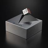 8万円の世界最小ルービックキューブ。どれくらいのサイズだと思います?