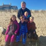 """アレック・ボールドウィン、62歳で5児の子育ての""""メリット""""語る"""
