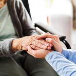 """""""親の介護""""で無職中年になるリスクの回避法とは?"""