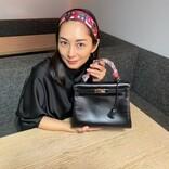 伊東美咲、2年ぶりの映像出演! YouTubeでバッグの中身を公開