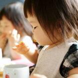 離乳食の完了期(1歳~1歳半ごろ)の進め方は?パクパク期のおやつのあげ方など