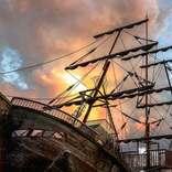 夕日が誘う美しき難破船… え、ここが子どもの遊び場?