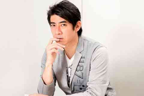 人気占い師・琉球風水志シウマ先生に聞いた!携帯番号で占う、あなたの運勢