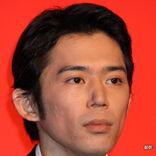 岡田義徳が妻・田畑智子や息子と行く博物館とは? はしゃぐ子供と夫婦の姿が「ほほえましい」