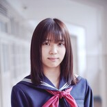 欅坂46・小林由依、セーラー服姿でみせる優しい表情も 『さくら』場面カット公開
