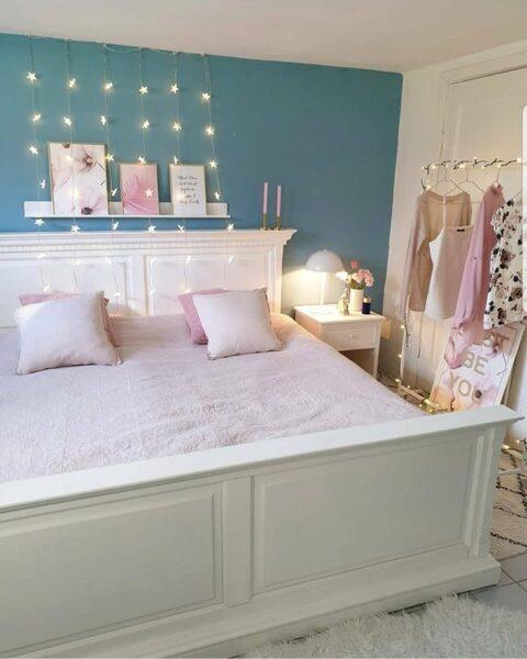ガーランドライトを上手に使った寝室
