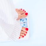 むりな糖質制限はシワの元。美肌になれるダイエットを皮膚科医に聞いた