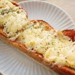 【セブン-イレブン新商品ルポ】本格トマトソースとふわふわたまごがおいしい「たまごピザトースト」