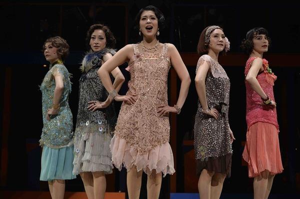 『もっと泣いてよフラッパー』 (14年) 作・演出・美術:串田和美 撮影:細野晋司