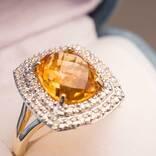 11月の誕生石は友情や金運を高める? 2つの宝石に秘められた意味や伝説