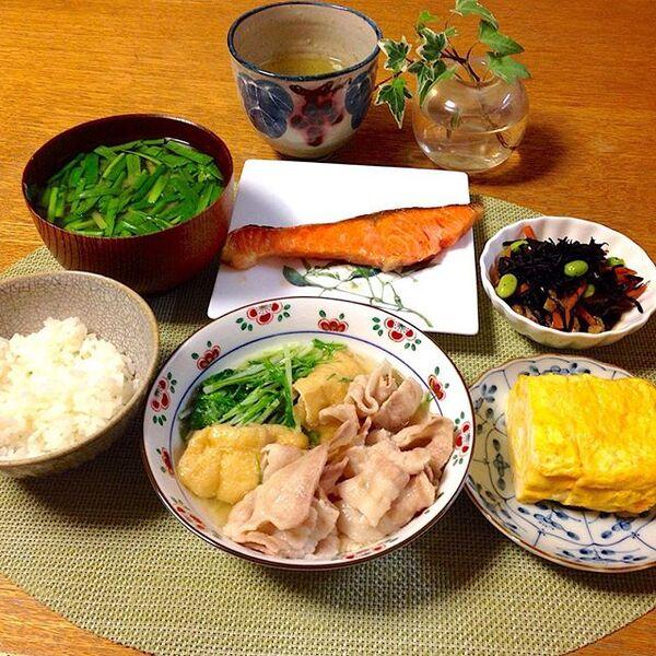 夕食 メニュー