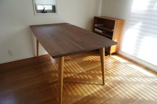 新品のように生まれ変わったダイニングテーブル
