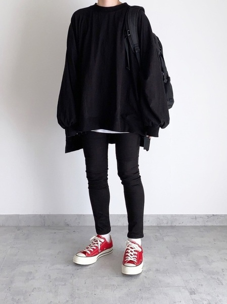 赤コンバース×パンツの冬コーデ5