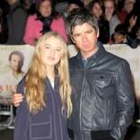 ノエル・ギャラガー20歳娘が下着ブランドキャンペーンモデルに「パパには秘密で撮影した」
