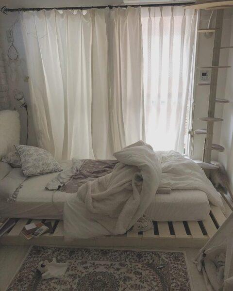 リネン素材のカーテンをコーディネート