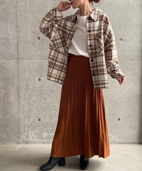 ルーズシャツ×ニットプリーツスカート