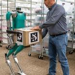 職場に入ってきた新人はロボットでした。人と共存して働く同僚系ロボットDigit