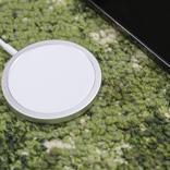 磁石でくっつくMagSafe充電器、あんまりセーフじゃない問題。ワイヤレスの利点とは…