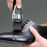 革靴愛好家なら必携アイテム? デイリーケアを手軽にできる電動シュークリーナー
